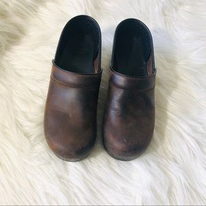 Dansko professional distressed clogs size 39